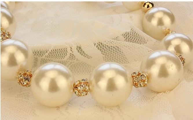 178-9c9ad6c1a0d064d9500b5bf9930fbb83 Giant Pear Bead Necklace With Rhinestone Crystals