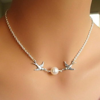 Classy Silver Chain Lovebirds Pearl Necklace Jewelry