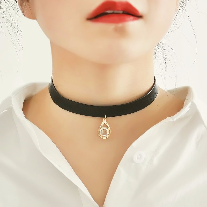 94-dc3dfb2a9bd4fc6371e2ae8017dbc6f9 Punk Style Black Leather Choker Necklace With Tiny Pendant