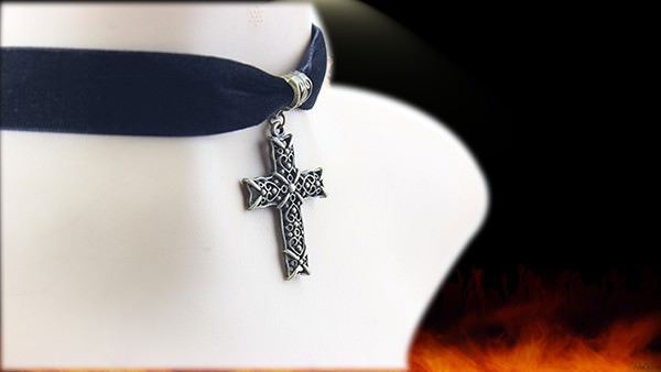11501-bf489eab3a22f8d67e2f903230f65ef0 Sexy Gothic Velvet Strip Choker Necklace With Cross Pendant