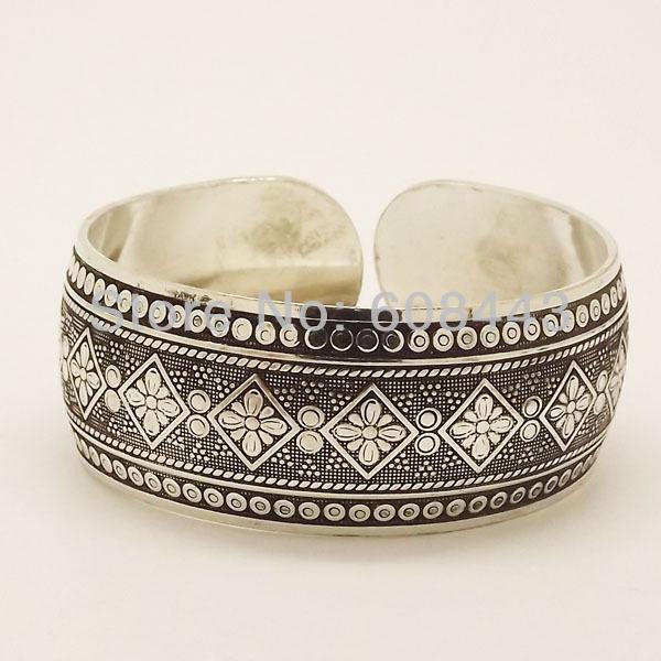 11511-0f6f6e496b598f142053c414d74beeba Wide Gypsy Cuff Bangle Silver Bracelets For Women