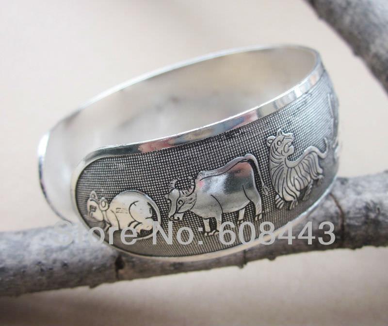 11511-f5f0c47648e9bae591c0408398a0a87a Wide Gypsy Cuff Bangle Silver Bracelets For Women
