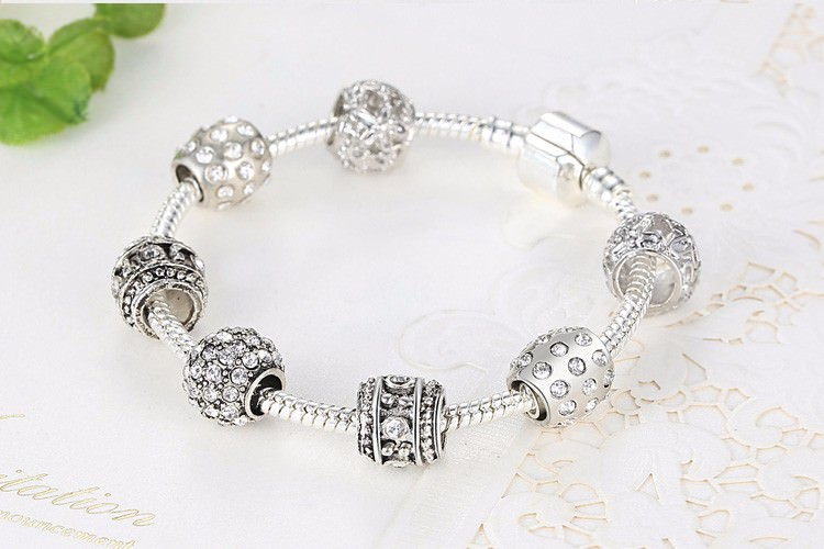 11512-2e3bffbdb78390c00a73afa059e23aa6 Simple Charm Bracelet Chain With Crystal Beads