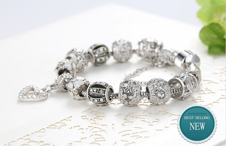 11514-f6287e62e2016e496591f0141981b62c BELA Silver Charm Bracelet Chain With Heart Pendant Charm