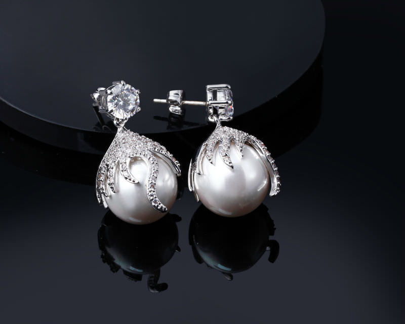 11581-612096eb8c83bf6669296cb7b4f9e75d DC 1989 Pearl Drop Earring Jewelry In Gold Or Silver