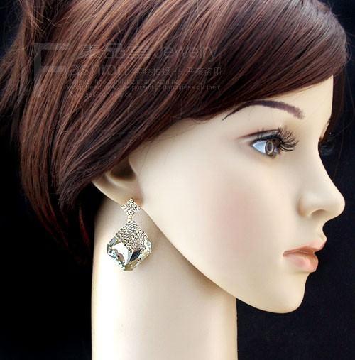 11589-90842631bb7e480e7e0f95f365422223 Luxury Square Crystal Drop Earring Jewelry For Women