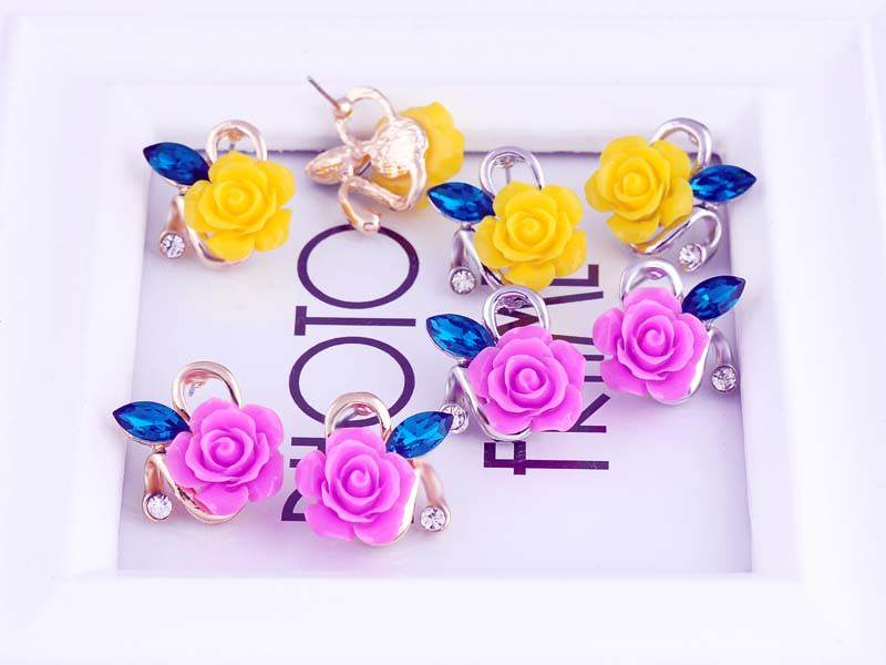 11592-5d5b213e38fd226030de969c221fcf92 Korean Style Rose Flower Earring Jewelry With Rhinestones