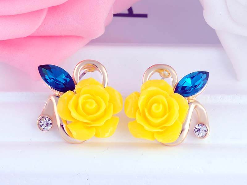 11592-aefc9f30b88bbe5bd9258ed8162aa241 Korean Style Rose Flower Earring Jewelry With Rhinestones