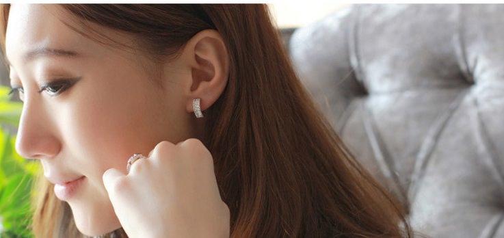 11593-3cccd65f51ea8da3ac7015dc39a001b3 Sophisticated Wedding Fashion Crystal Heart Huggie Earring Jewelry