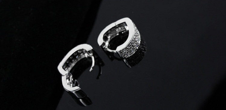 11593-71d72827f613d19f51565881535a305c Sophisticated Wedding Fashion Crystal Heart Huggie Earring Jewelry
