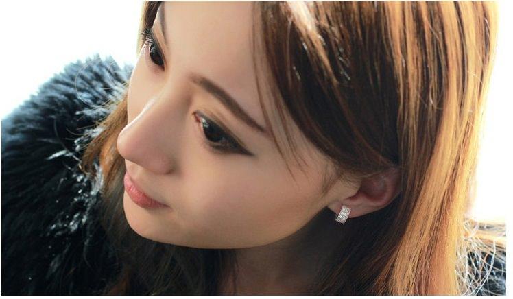 11593-89a16323486e99cc3e946349e4c354b2 Sophisticated Wedding Fashion Crystal Heart Huggie Earring Jewelry
