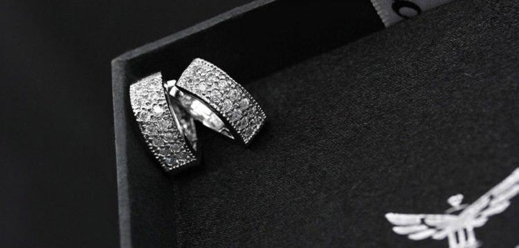 11593-b447d54c1b880954620da997612195b6 Sophisticated Wedding Fashion Crystal Heart Huggie Earring Jewelry