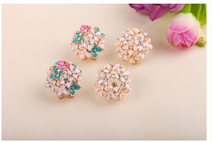11601-22c0baf238a5f12f0aaec9ef11630f4e Whimsical Floral Bouquet Lever Back Earring Jewelry