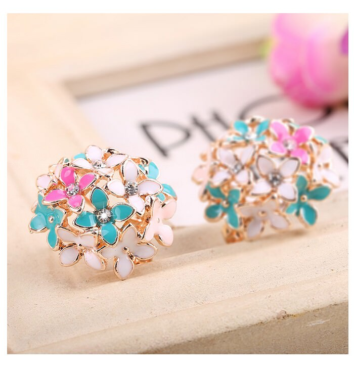 11601-92736c0a0e38dca630102a0f4bae2186 Whimsical Floral Bouquet Lever Back Earring Jewelry