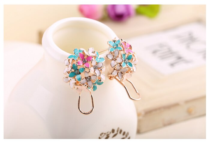 11601-96fa78125b2fea353e945f79801bdbe9 Whimsical Floral Bouquet Lever Back Earring Jewelry