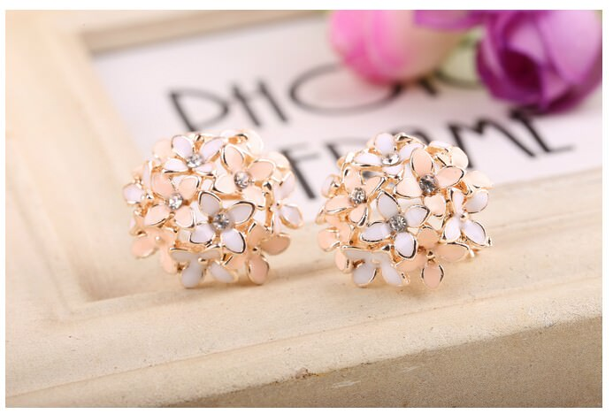 11601-97f61b3a17e447e6c83f92478d525294 Whimsical Floral Bouquet Lever Back Earring Jewelry