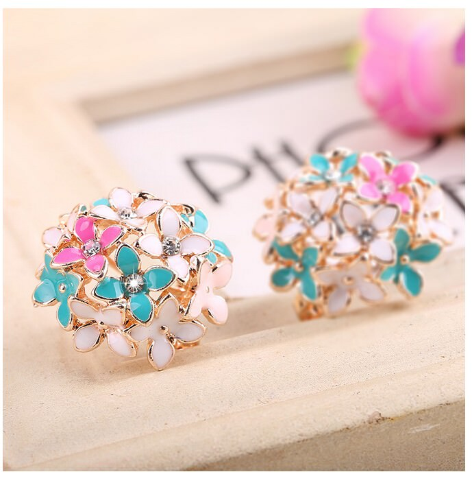 11601-d7a9bf7d015406cb5a1d6ecec3da6687 Whimsical Floral Bouquet Lever Back Earring Jewelry