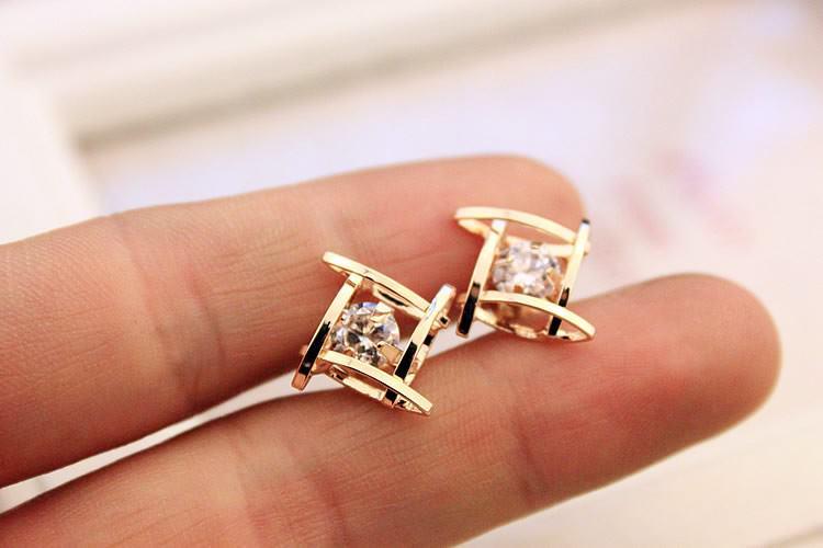 11602-8a65018e39d67e24387bc2cce16c2d7e Sophisticated Framed Rhinestone Push Back Earring Jewelry