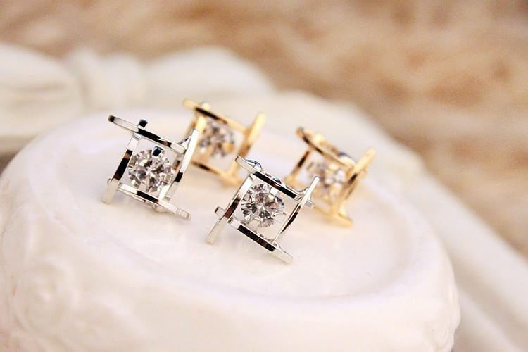 11602-ef28a464fe6d4d1e2aa47de607e273fb Sophisticated Framed Rhinestone Push Back Earring Jewelry
