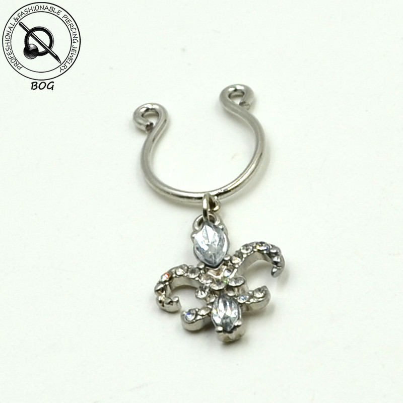 11697-cf9d1b3e89c4072ac5e2b02beb3a63e9 Sexy Pair Of Clip On Nipple Body Jewelry With Rhinestone Tassel Dangle