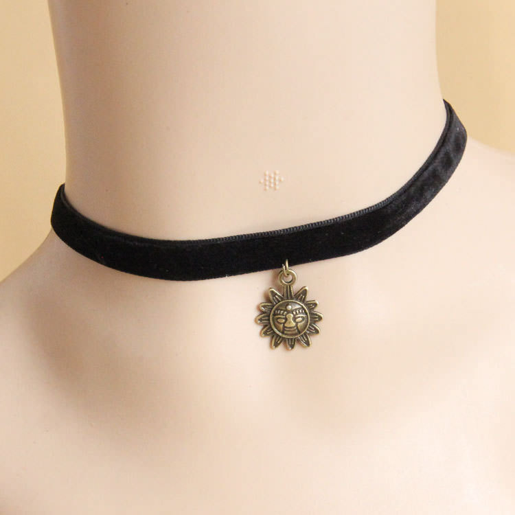 4990-0722d139c0ce2f835119be5fad31eb2d Vintage Victorian Style Gothic Lolita Choker Necklace In Various Designs