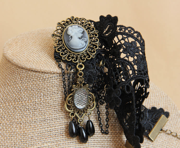 4990-49e2f2fa52d7bb05525fb8e2d4f7e18d Vintage Victorian Style Gothic Lolita Choker Necklace In Various Designs