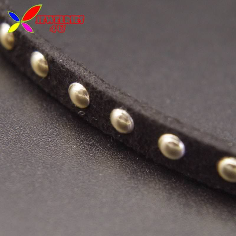 4996-02a6a1ef10d5af65f8895a0146b5b97b Women's Black Leather Choker Necklace With Silver Studs