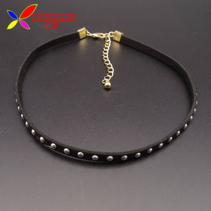 4996-908a41e4f82cffb0daa802c38c2ef26b Women's Black Leather Choker Necklace With Silver Studs