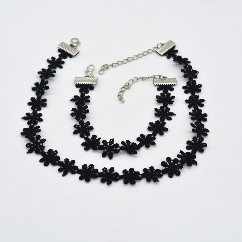 5000-0c93eeaace3edc946b5a52e59ef8d9d6 3pcs Vintage Black/White Daisy Flower Lace Choker Necklace