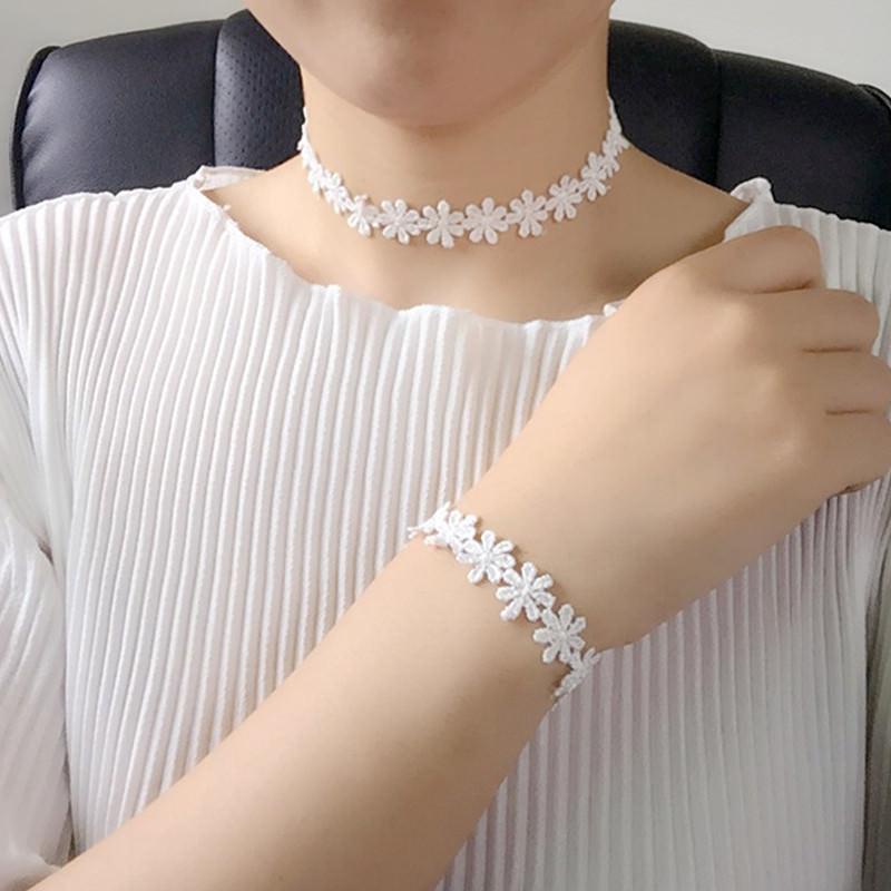 5000-96f894769e6dc0816969beaf075f4717 3pcs Vintage Black/White Daisy Flower Lace Choker Necklace