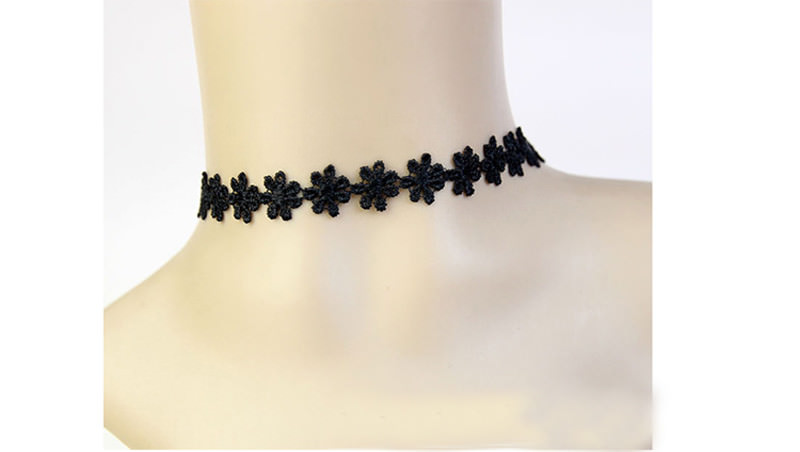 5000-a2ac4df16ca6d07111f7e8a8dc71f367 3pcs Vintage Black/White Daisy Flower Lace Choker Necklace