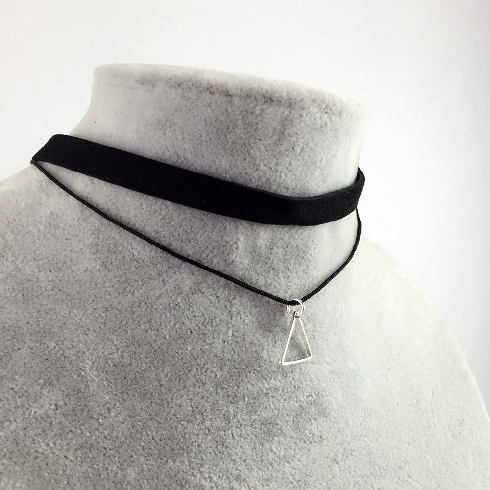 5018-6e684b7ed1ebc069fdcaca47e3c96ae3 Black Imitation Leather Choker Necklace With Geometric Shaped Pendant