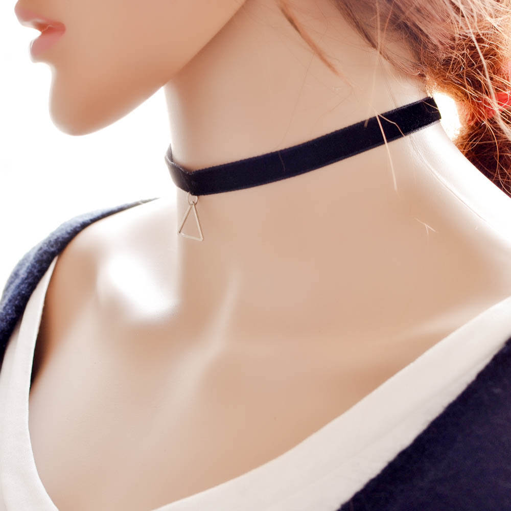 5018-93ef29ea3449de8d8814372aaa61a4a6 Black Imitation Leather Choker Necklace With Geometric Shaped Pendant