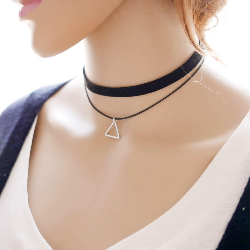 5018-d6fce2d48f770e421534cd46a3d27814 Black Imitation Leather Choker Necklace With Geometric Shaped Pendant