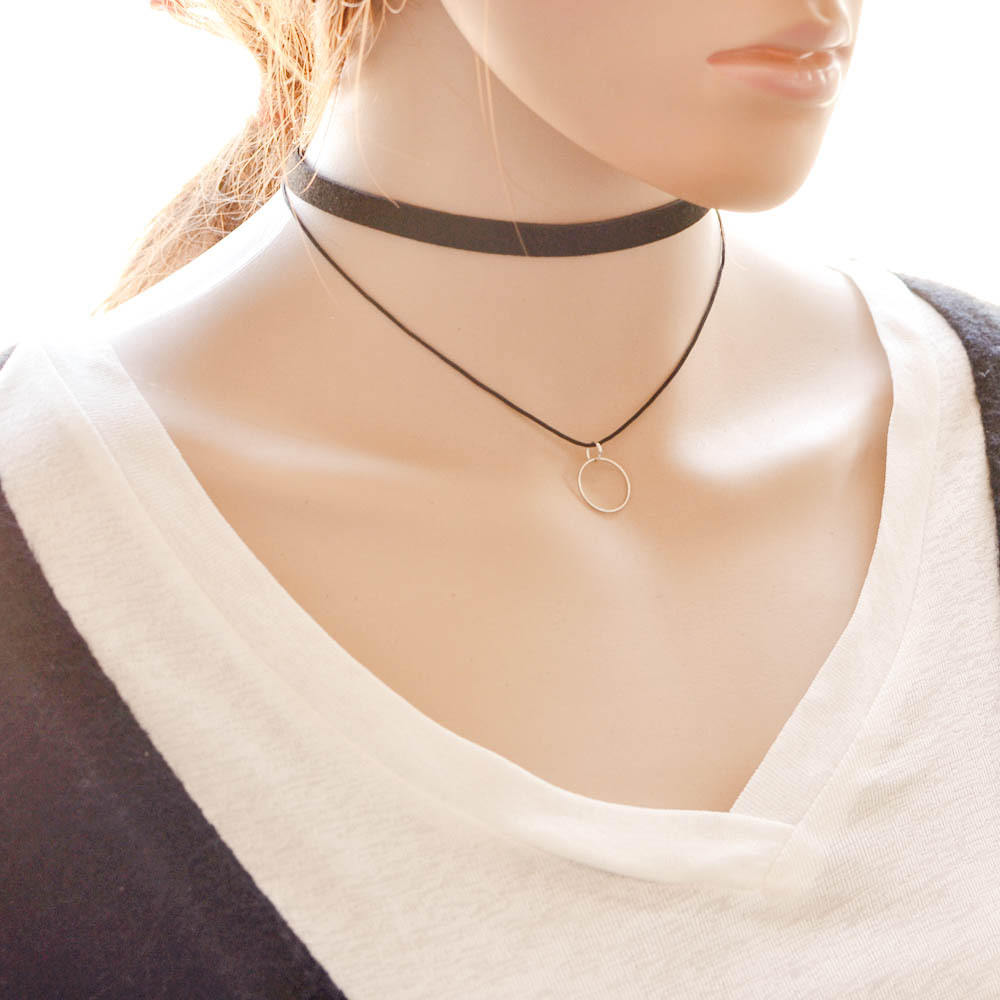 5018-d737ccc1a6fa092a528d4a5ab9501699 Black Imitation Leather Choker Necklace With Geometric Shaped Pendant