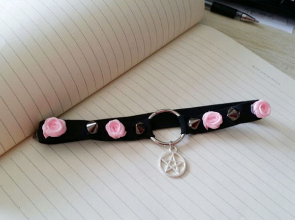 5031-f90a3de5d385d1becc8f93018f3f3d8d Punk Choker Necklace With Spikes, Rose And Star Pendant Accent