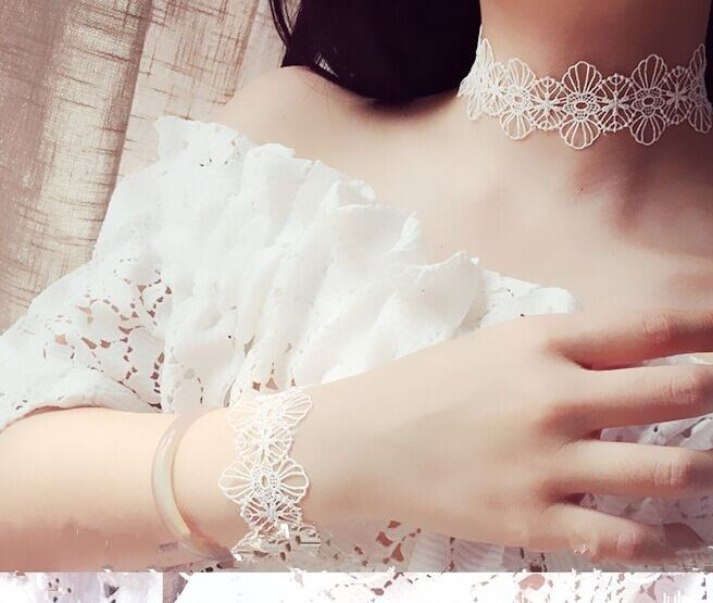 5033-917996ae02eee9480377ee83a62be8e9 Floral Lace Adjustable Choker Necklace in Black or White