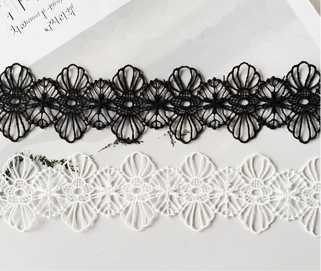 5033-f238f863af12f00cc5dd4d88d835847c Floral Lace Adjustable Choker Necklace in Black or White