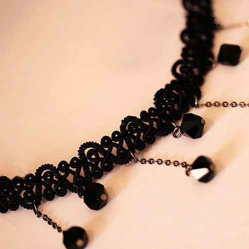 5034-495cf714d06624d239bad10173fa4136 Black Choker Necklace with Drop Crystal Beaded Chains
