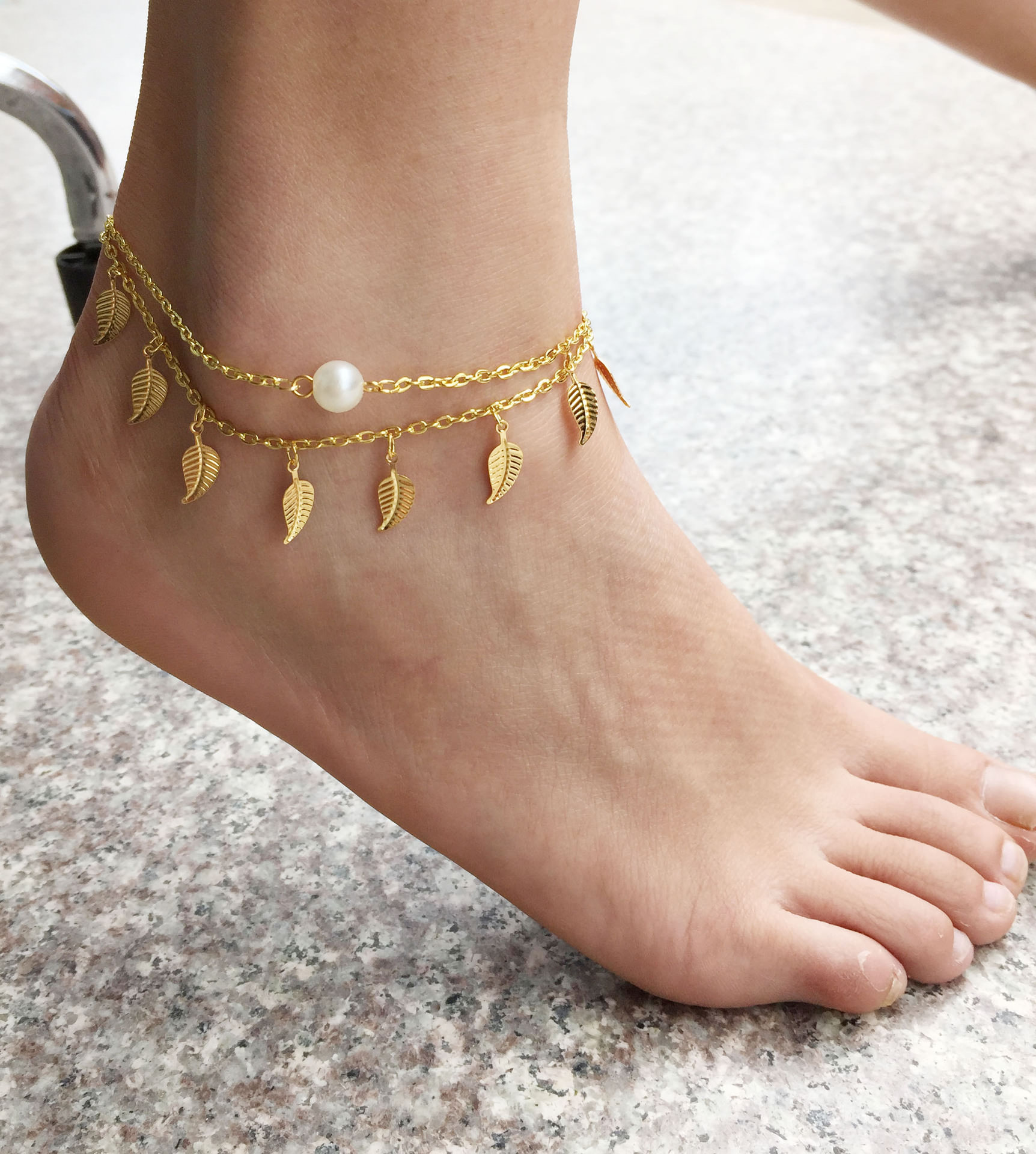 7062-5901c940357ffb89519420e31faf8051 Beaded Chain Anklet Jewelry With Leaf Shaped Pendants
