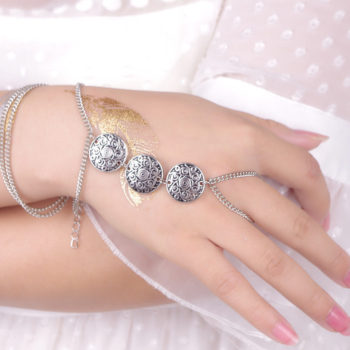 Gypsy Style Chain Hand Slave Bracelet Jewelry With Three Coin Charms