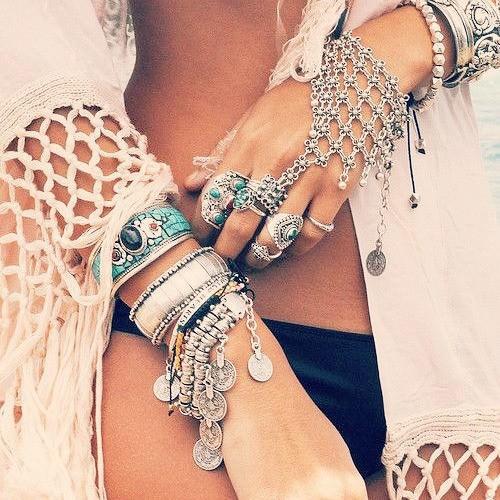 8849-1e3540d8caf4f7a5c9f2e72495eaf0df Edgy Bohemian Clover Flower Chain Hand Harness Jewelry