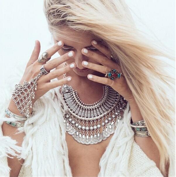 8849-42b310746eb0a6108b100367d6fb24da Edgy Bohemian Clover Flower Chain Hand Harness Jewelry
