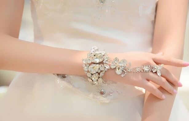 8850-0759ace504494e29e3950826dc79bd8a Wedding Butterfly Slave Chain Jewelry With Chunky Crystal Bangle