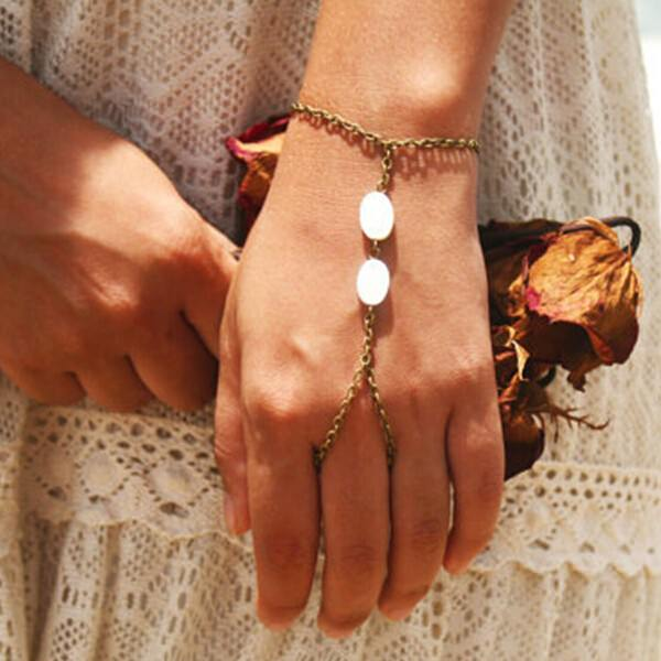 8858-92c2151e7822f86b655fa07094ba7235 Hipster Hand Bracelet Chain Jewelry With Shell Beads Accent