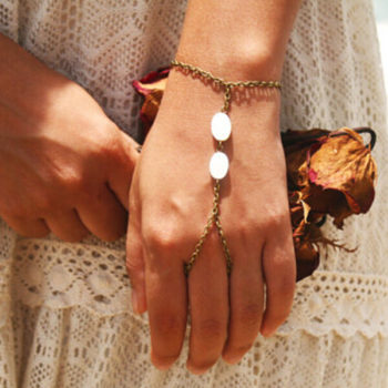 Hipster Hand Slave Bracelet Chain Jewelry With Shell Beads Accent