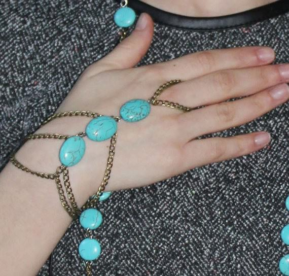 8864-341b1ff7bd48a4543cbb1bdae9839faa Multi-layer Gold Plated Hand Slave Chain With Turquoise Beads