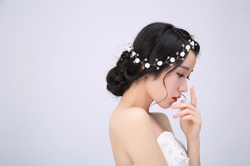 8889-b9fbfdf64a28d1a3c2789cec54fa94b1 Handmade Bridal Floral And Crystal Head Jewelry