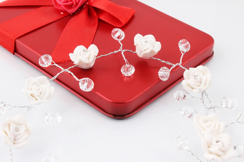8889-be50650e9c738060194613ad00354d2f Handmade Bridal Floral And Crystal Head Jewelry