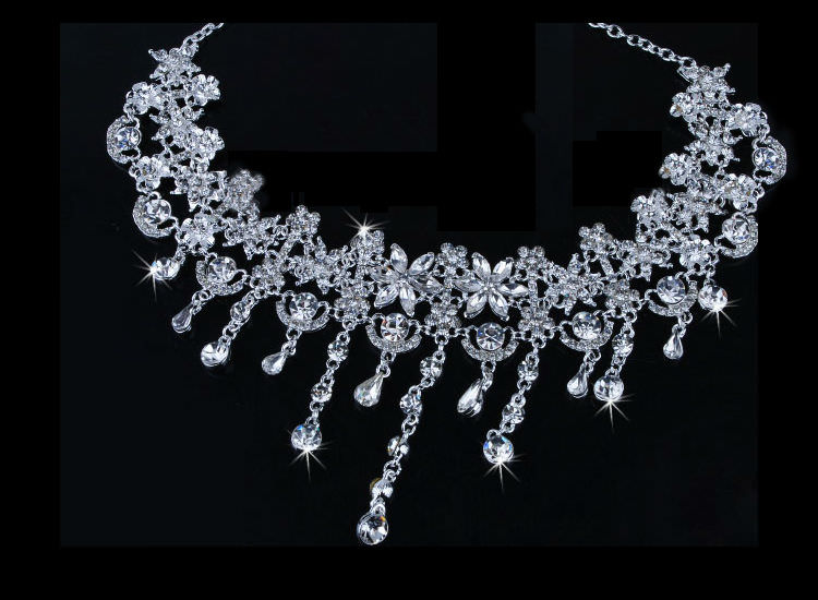 8900-b8089e22004b130e6c9701a1269c019a Crystal Floral Bridal Head Jewelry With Matching Earrings